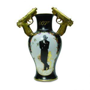 Vase Bond